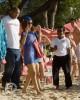 Rihanna rend visite à des amis en Barbade. E03faf167206305