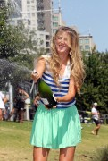 Виктория Азаренко, фото 176. Victoria Azarenka Posing with the Australian Open Trophy along the Yarra River in Melbourne - 29.01.2012, foto 176
