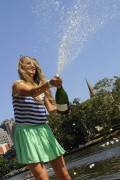 Виктория Азаренко, фото 196. Victoria Azarenka Posing with the Australian Open Trophy along the Yarra River in Melbourne - 29.01.2012, foto 196