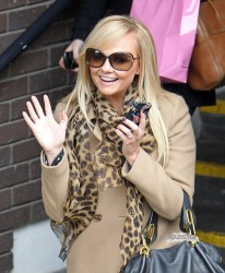Эмма Бантон, фото 2276. Jan. 23th - London - Emma Bunton Leaving ITV Studios, foto 2276