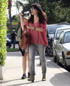 Сельма Блэйр, фото 819. Selma Blair Arrive Back at Her House West Hollywood 2/17/12, foto 819