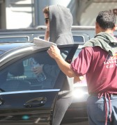 Миша Бартон, фото 10542. Mischa Barton - shopping and at a car wash in California 02/23/12, foto 10542
