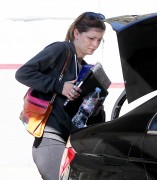 Миша Бартон, фото 10529. Mischa Barton - shopping and at a car wash in California 02/23/12, foto 10529