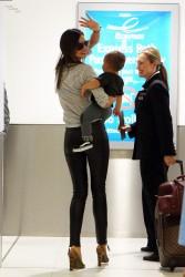 Миранда Керр, фото 3737. Miranda Kerr Sydney Airport arrival, february 28 / tagged, foto 3737,