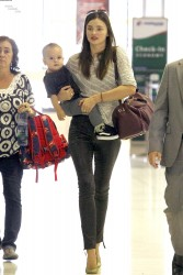 Миранда Керр, фото 3719. Miranda Kerr Sydney Airport arrival, february 28 / tagged, foto 3719,