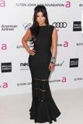 Ким Кардашиан, фото 7944. Kim Kardashian Elton John AIDS Foundation Academy Awards Party - 02/26/12*with sister Kourtney, foto 7944,