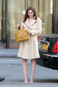 Лейгтон Мистер, фото 6863. Leighton Meester On the Set of 'Gossip Girl' in Manhattan - 05.03.2012, foto 6863