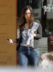 Рейчел Билсон, фото 8403. Rachel Bilson - drops by a liquor store in Los Feliz, March 7, foto 8403